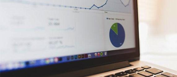 email-statistics-laptop